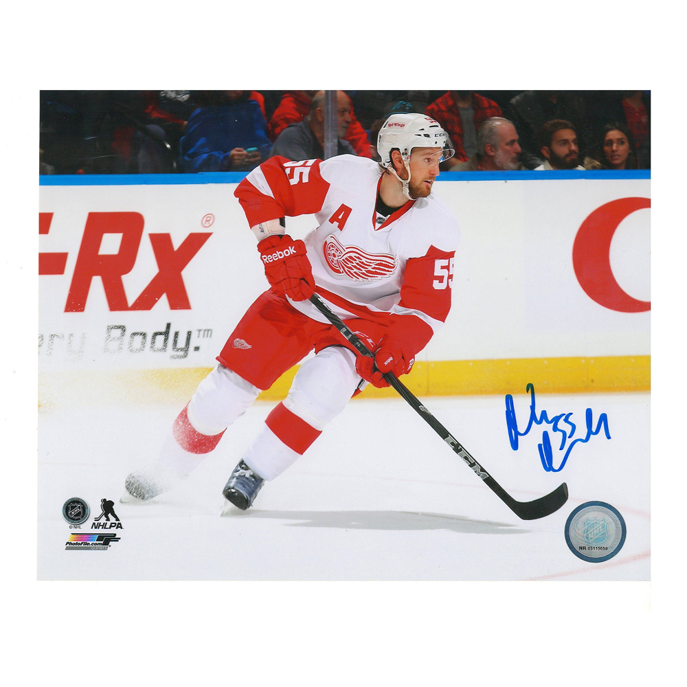 NIKLAS KRONWALL Signed Detroit Red Wings 8 X 10 Photo - 70343