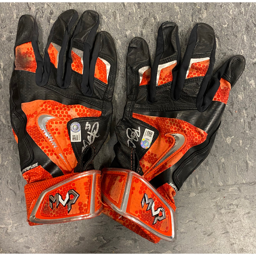 Photo of Autographed Batting Gloves - signed by #35 Brandon Crawford