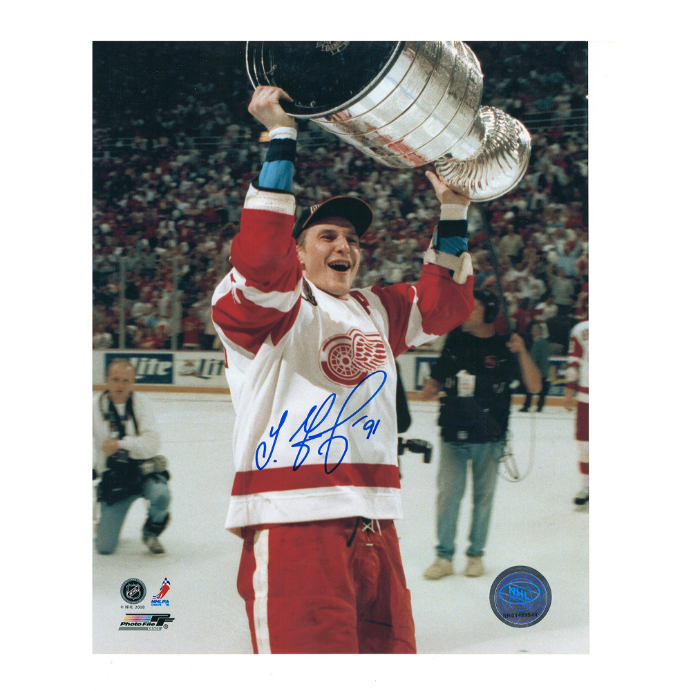 SERGEI FEDOROV Signed Detroit Red Wings 1997 Stanley Cup 8 X 10 Photo - 70374