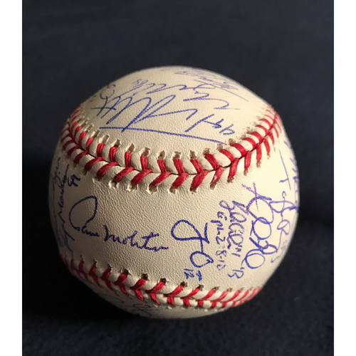 Photo of Minnesota Twins Crescent Cove Auction: Team Signed Baseball