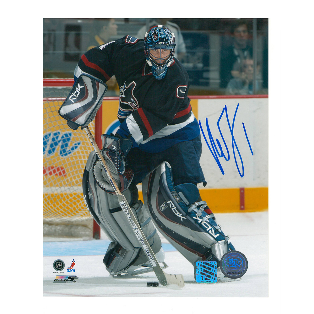 ROBERTO LUONGO Signed Vancouver Canucks 8 X 10 Photo - 70379