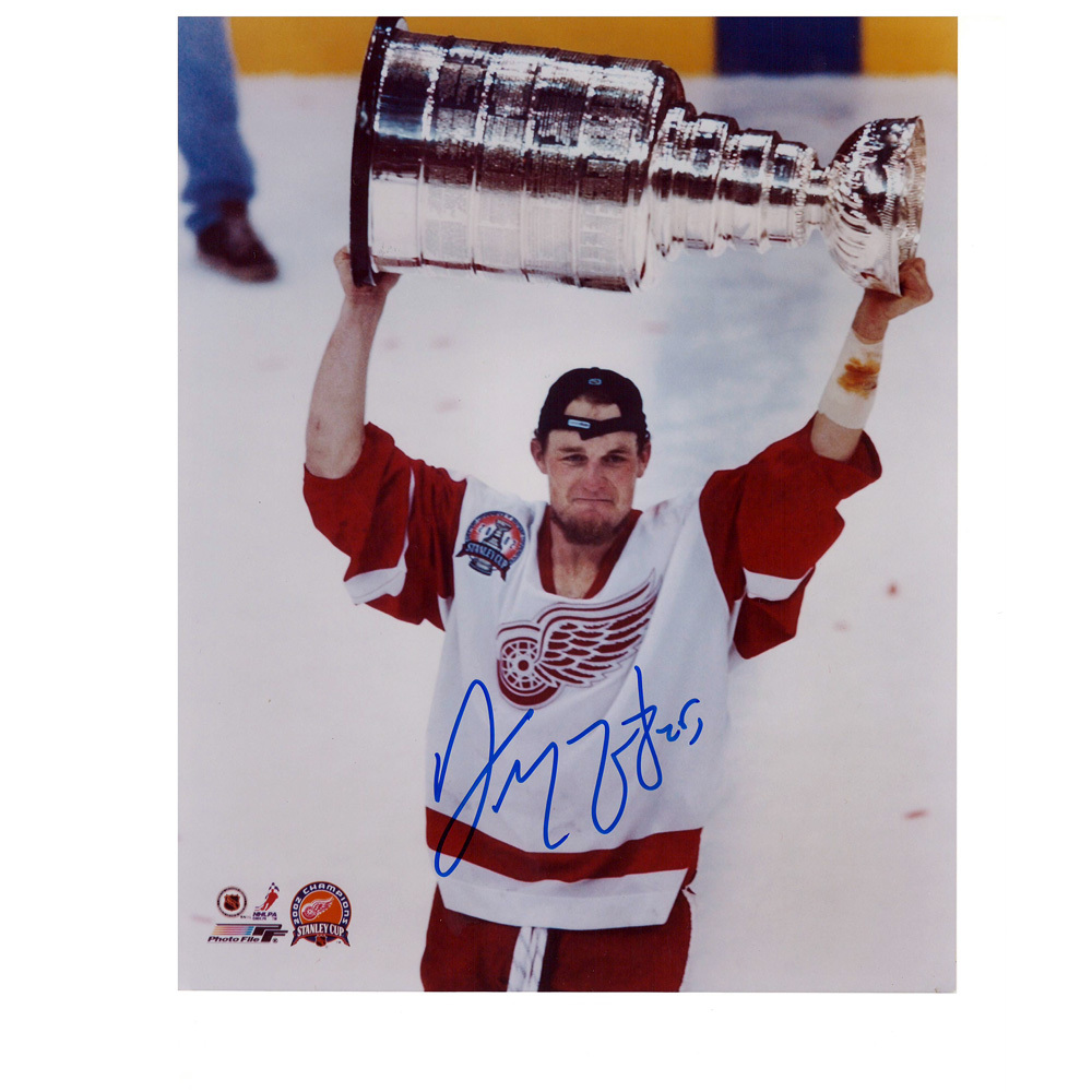 DARREN MCCARTY Signed Detroit Red Wings 8 X 10 Photo - 70013