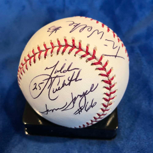 Photo of UMPS CARE AUCTION: 2006 NLCS Crew Signed Baseball