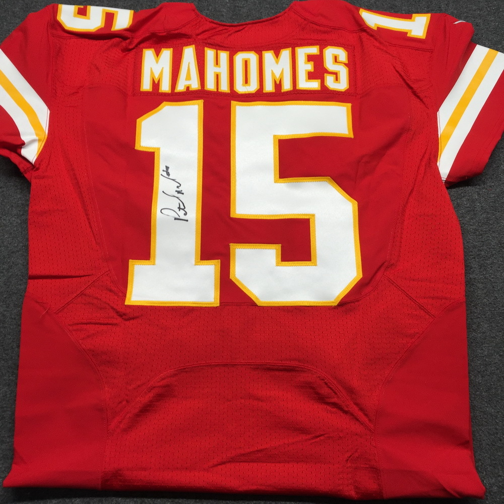 06ca07292 Chiefs - Patrick Mahomes signed authentic Chiefs jersey - size 42