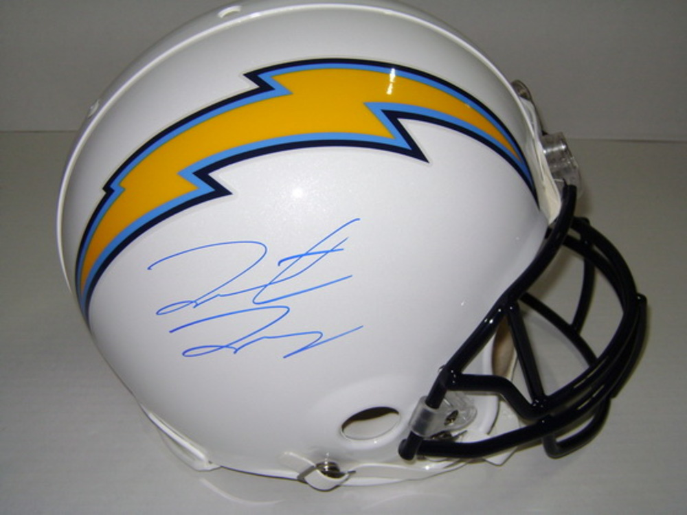 NFL - CHARGERS HUNTER HENRY SIGNED CHARGERS PROLINE HELMET
