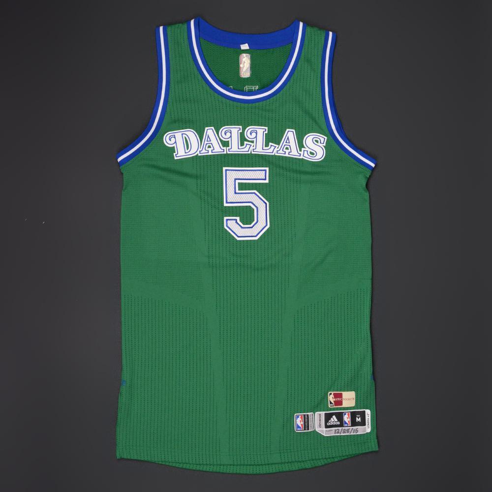 JJ Barea - Dallas Mavericks - Game-Worn  1980-90 Road Hardwood Classics 517f64f65