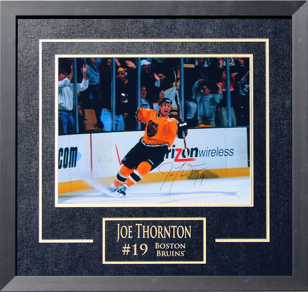 Joe Thornton Signed 11x14 Etched Mat Bruins