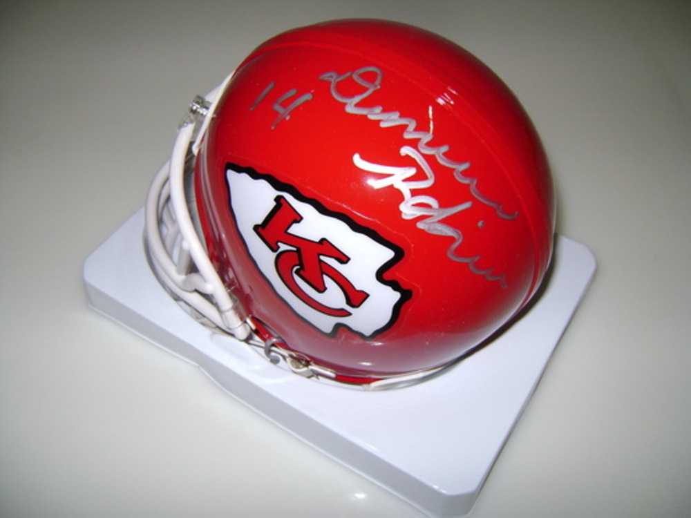 NFL - CHIEFS DEMARCUS ROBINSON SIGNED CHIEFS MINI HELMET