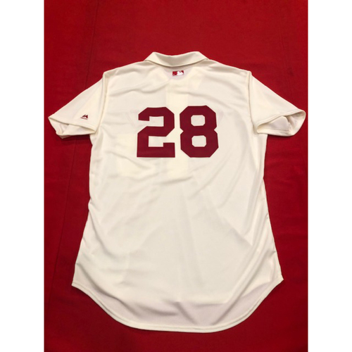 Photo of Anthony DeSclafani -- 1902 Throwback Jersey -- Game-Used -- SF vs. CIN on May 4, 2019
