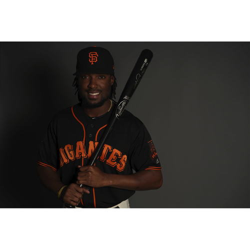 "Photo of San Francisco Giants - 2018 Black Alternate ""Gigantes"" Game-Used Jersey - Alen Hanson (size 44)"