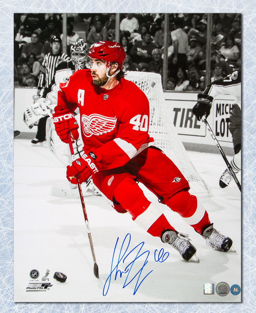 Henrik Zetterberg Detroit Red Wings Autographed Spotlight 16x20 Photo