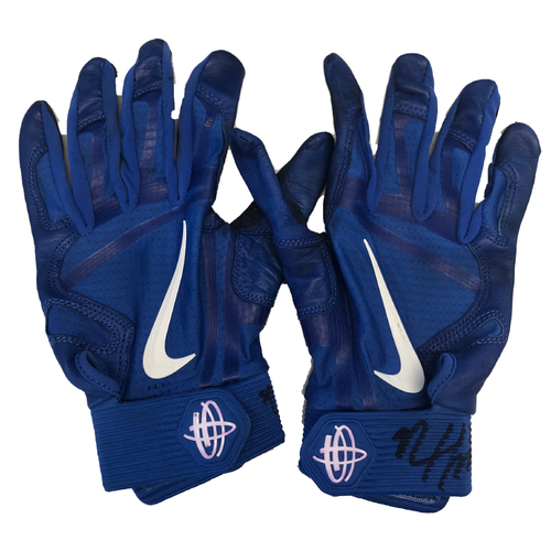 Photo of Nico Hoerner Team-Issued Batting Gloves -- Autographed and Inscribed 'Game used 2020'