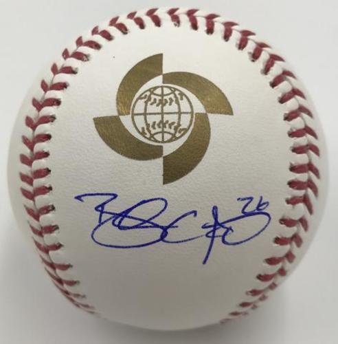 Photo of Brandon Crawford Autographed 2017 World Baseball Classic Baseball