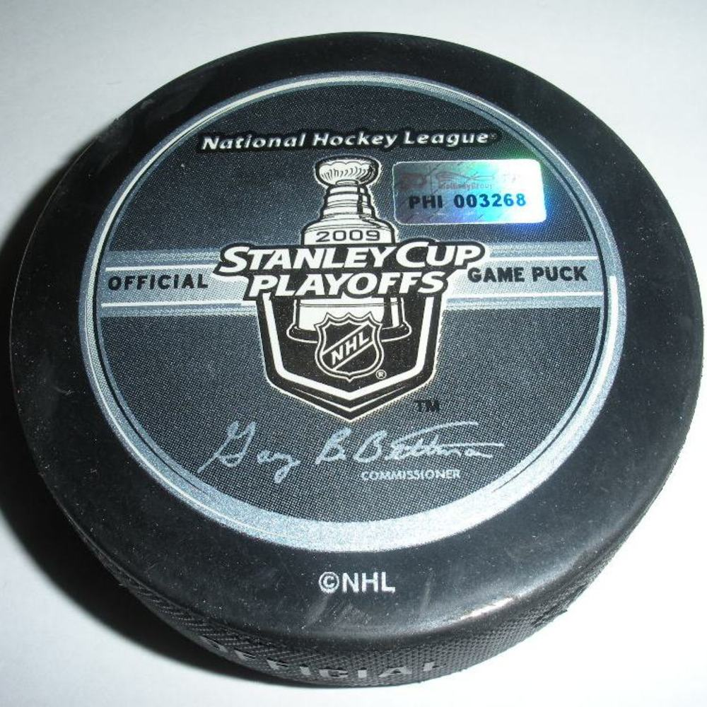 Sergei Gonchar - Pittsburgh Penguins - Goal Puck - April 25, 2009 - Eastern Conf. Quarterfinals Game 6 (Flyers/Stanley Cup Logo)
