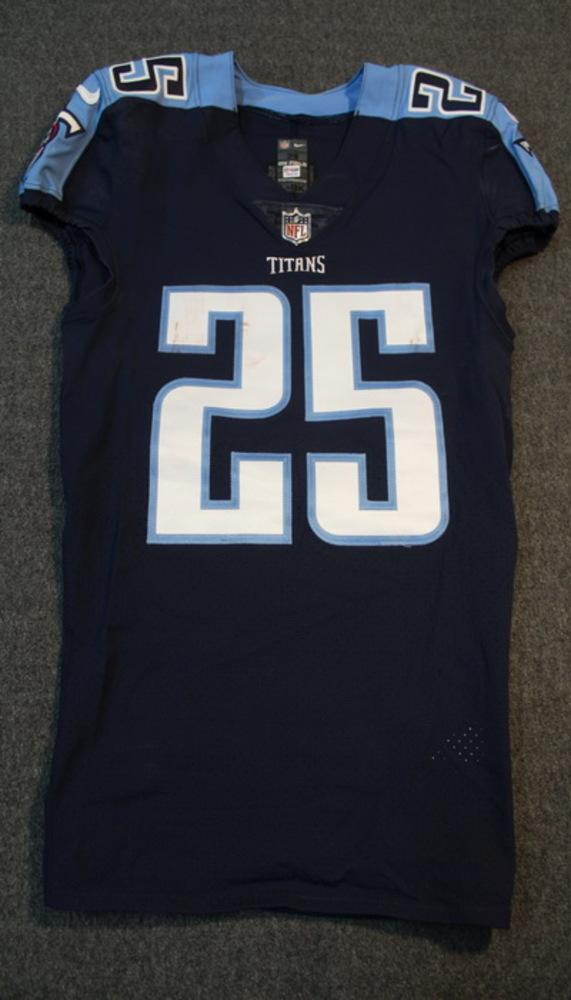 cheaper 663ad 21b8e NFL Auction   CRUCIAL CATCH - TITANS ADOREE JACKSON SIGNED ...