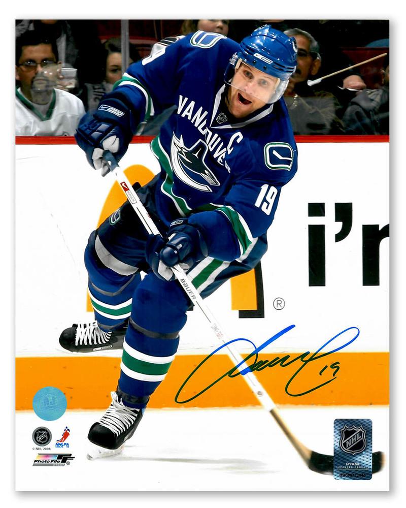 Markus Naslund Vancouver Canucks Autographed Shooting 8x10 Photo