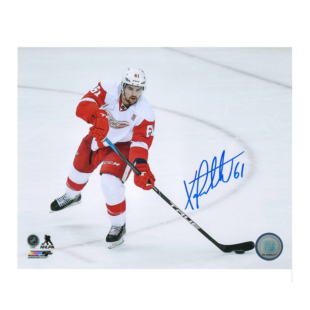 XAVIER OUELLET Signed Detroit Red Wings 8 X 10 Photo - 70447