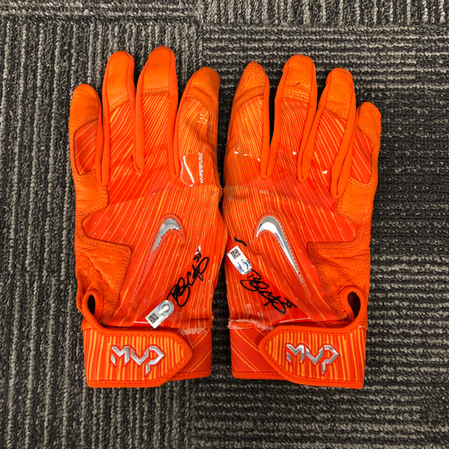 Photo of San Francisco Giants - Autographed Orange Batting Gloves (Pair) - #35 Brandon Crawford