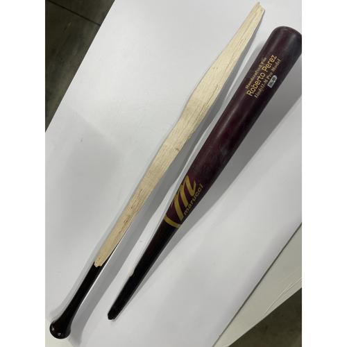 Photo of Game-Used Broken Bat - Roberto Perez - 8/16/2019 - Indians at Yankees