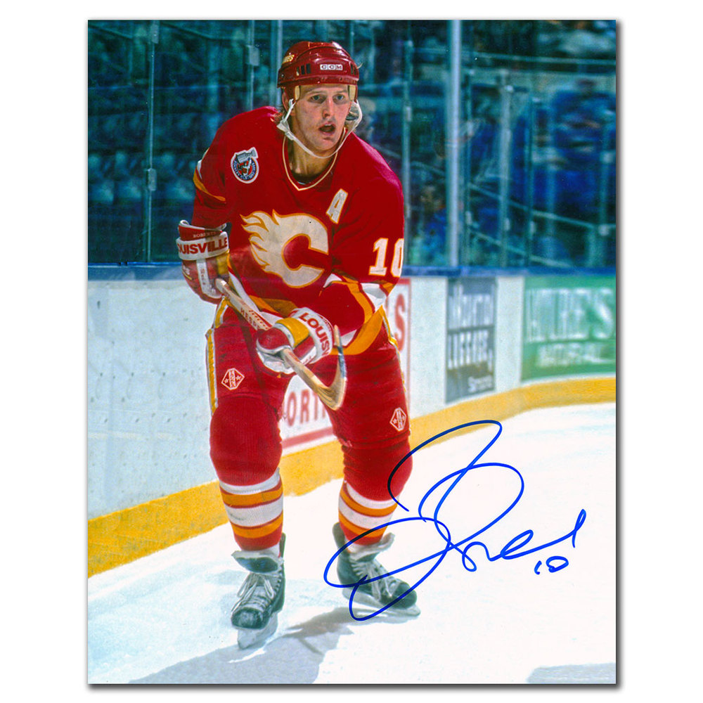 Gary Roberts Calgary Flames ACTION Autographed 8x10