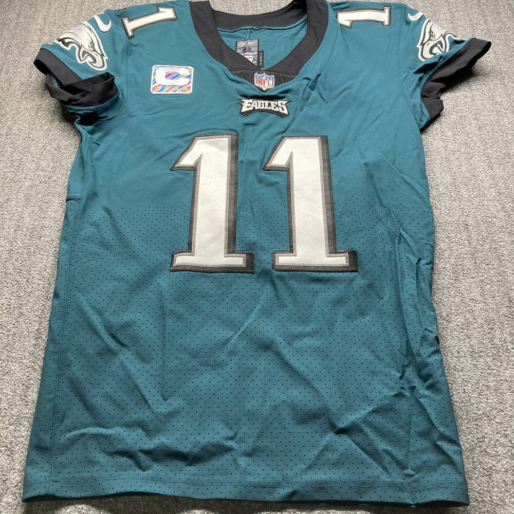 Crucial Catch - Eagles Carson Wentz Game Used Jersey (10/18/20) Size 42 w/ Captains Patch