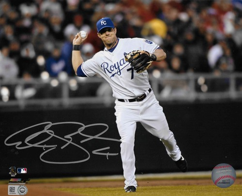 Photo of Alex Gordon Autographed 8x10 Photo (Fielding)