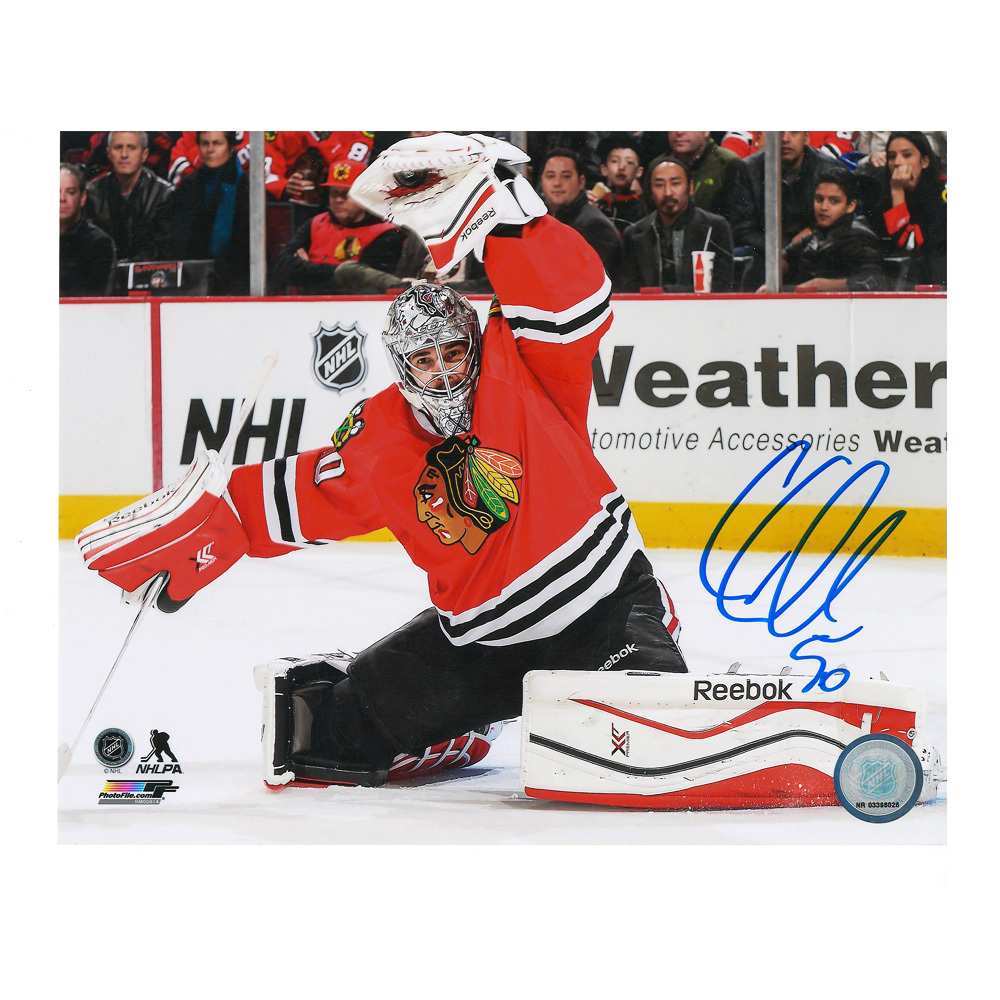 COREY CRAWFORD Signed Chicago Blackhawks Glove Save 8x10 Photo - 70328 A