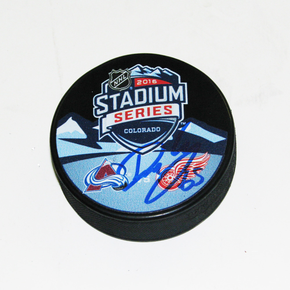 DANNY DEKEYSER Signed Detroit Red Wings Stadium Series 2016 Souvenir Puck
