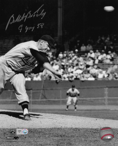 "Photo of Bob Turley ""Bullet Cy Young 58"" Autographed 8x10 Photo (Pitching)"