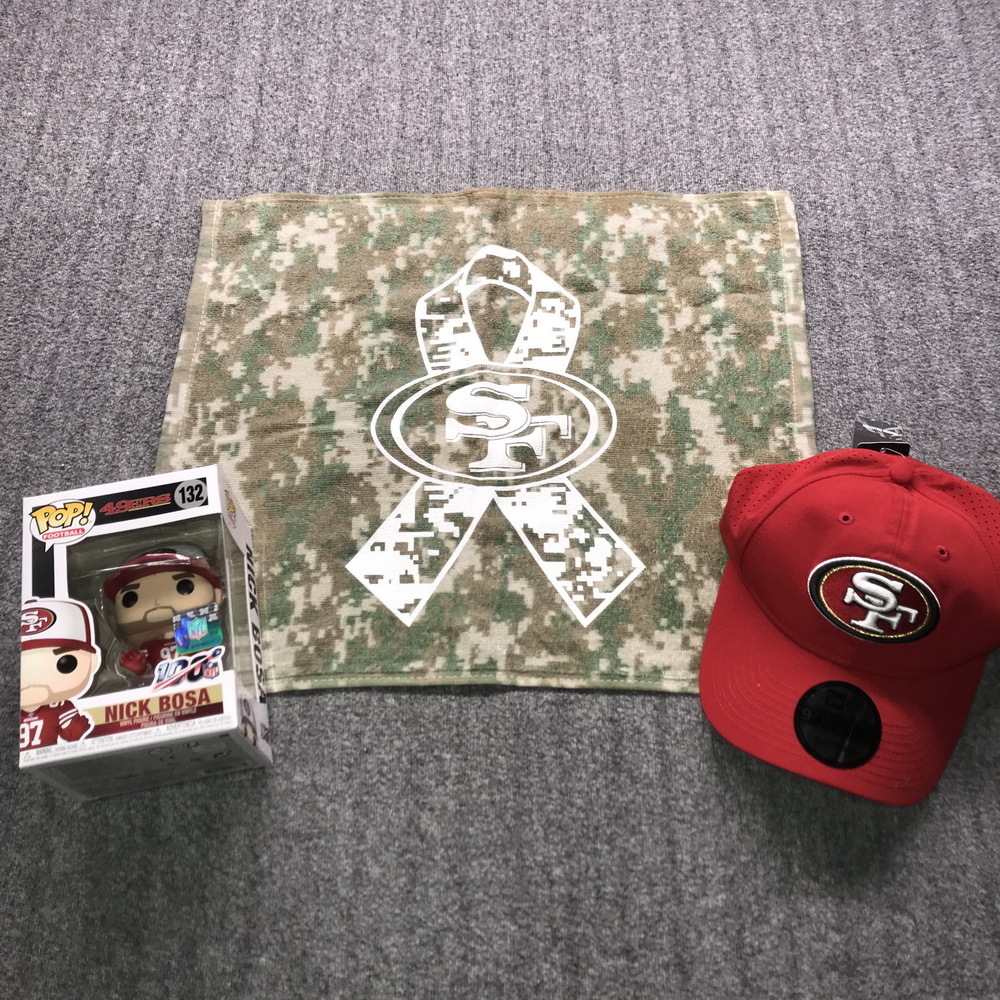 NFL - 49ers Bundle  Nick Bosa Funko Pop + 49ers Gym Bag and 49ERS Crucial Catch Flag