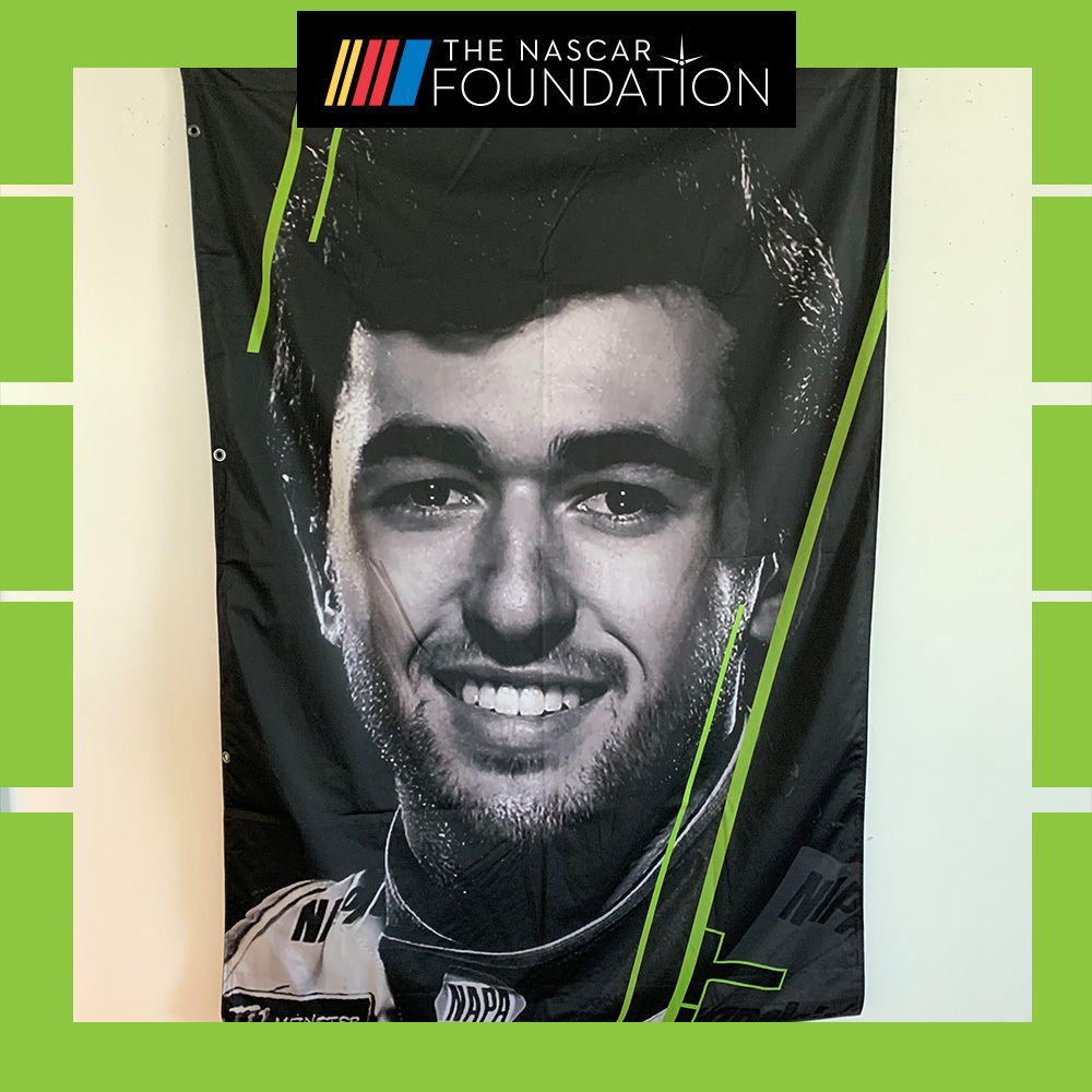 NASCAR's Chase Elliott 2018 MENCS Playoff Banner!