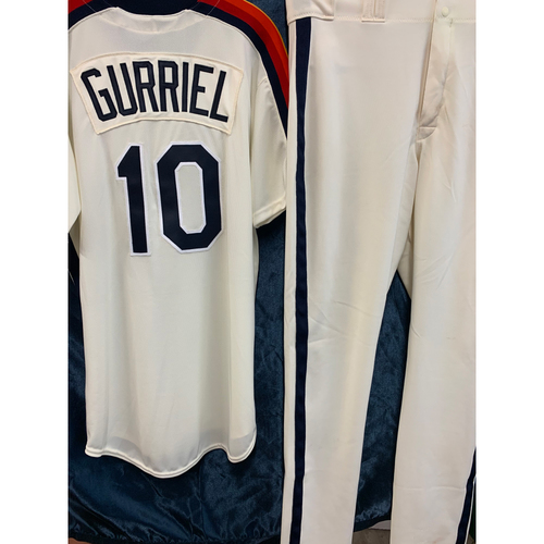 Photo of 2019 Astros TBTC Yuli Gurriel Uniform Package