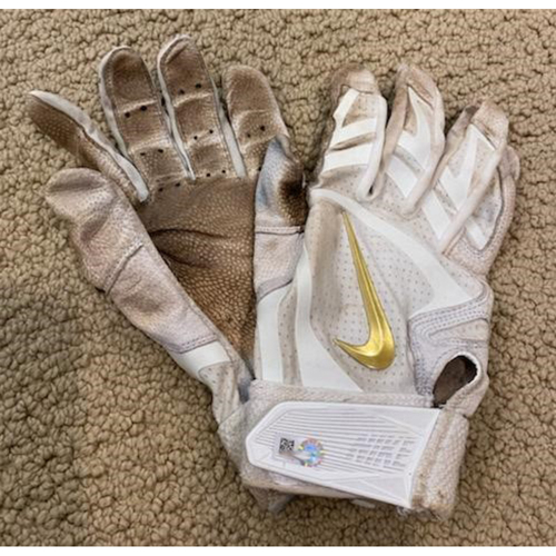 Photo of Will Smith Authentic Game-Used Batting Gloves from 5/11/21 Game vs. SEA