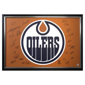2017-18 Edmonton Oilers Team Autographed   Framed Oilers 20