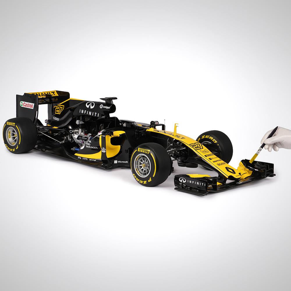 Renault F1 Team 2017 1:4 Cutaway Scale Model F1 Car