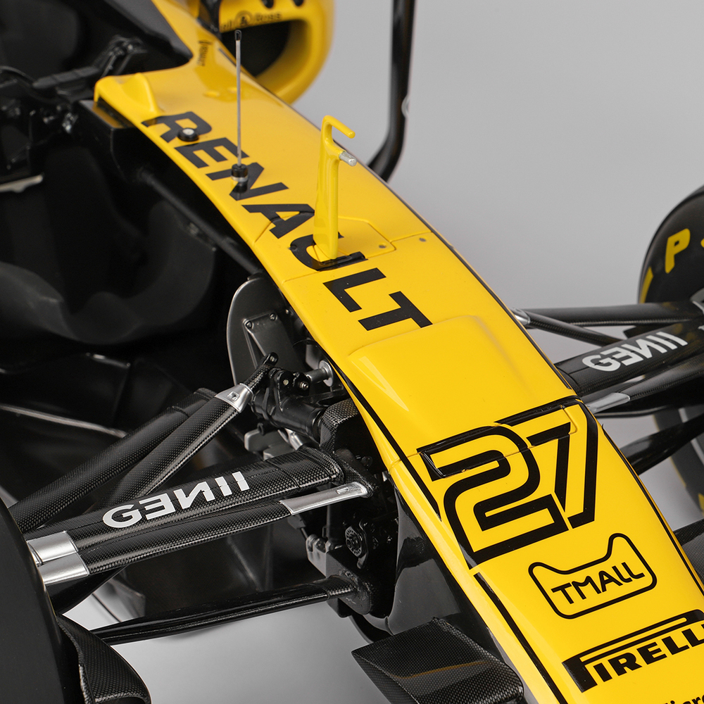 Renault F1 2017: Renault F1 Team 2017 1:4 Cutaway Scale Model F1 Car