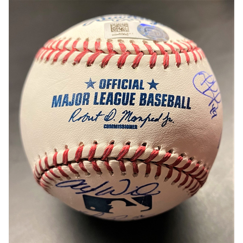 Photo of Detroit Tigers 2017 Team Signed Baseball (MLB AUTHENTICATED)