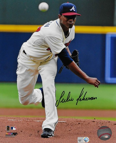 Photo of Julio Teheran Autographed 8x10 Photo (Pitching)
