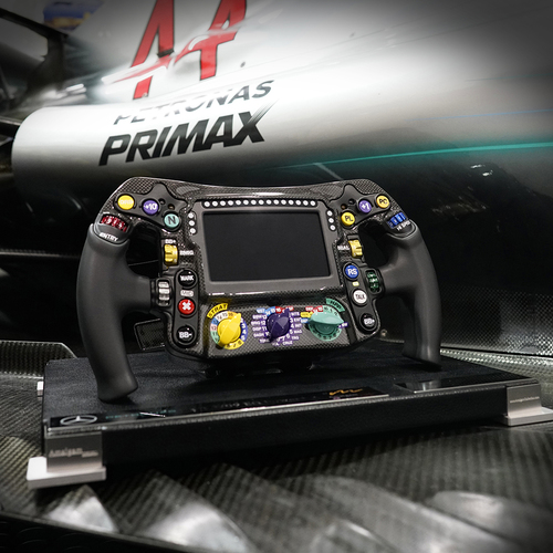 Photo of Mercedes-AMG Petronas Motorsport 2018 No.1 Edition 1:1 Replica Steering Wheel