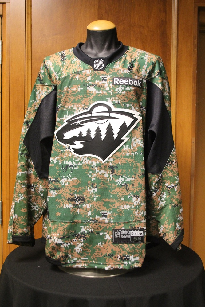 ... Authentic Custom Jersey MN Wild 4 Mike Reilly Signed Camouflage Wild  Jersey. 9dcaccac9