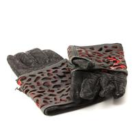 Photo of Quinlan Gloves