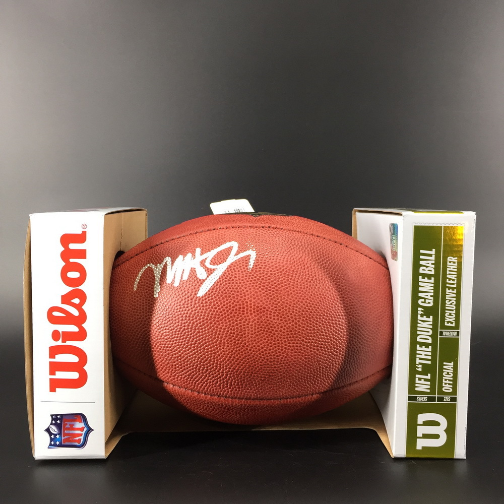 NFL - Chiefs Mecole Hardman Signed Authentic Football