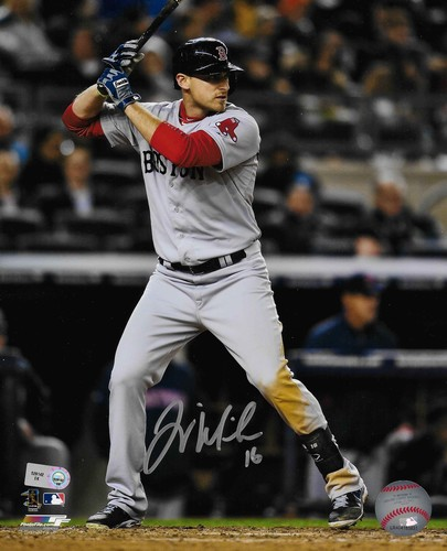 Photo of Will Middlebrooks Autographed 8x10 Photo (Batting)