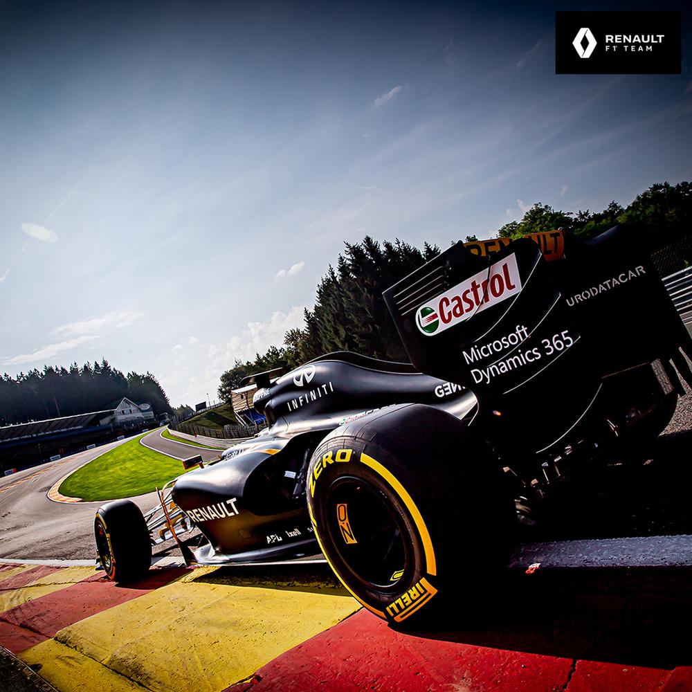 Renault F1 Team 2014 Cutaway F1 Car