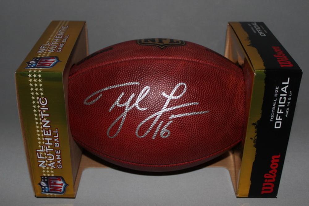 NFL - SEAHAWKS TYLER LOCKETT SIGNED AUTHENTIC FOOTBALL