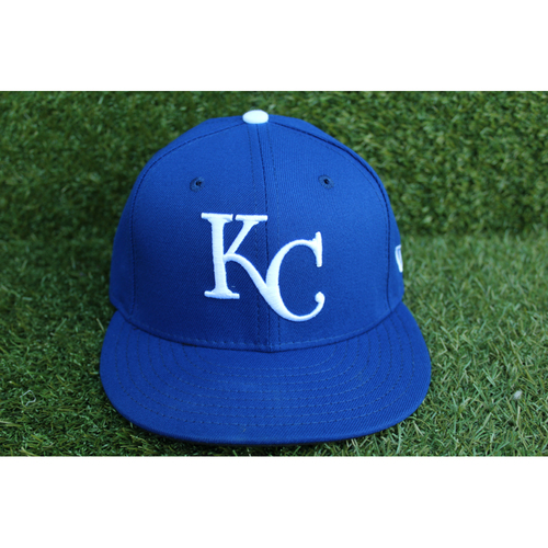 Photo of Game-Used 1969 Throwback Cap: Eric Skoglund (Size 7 1/8 - NYY @ KC - 5/19/18)