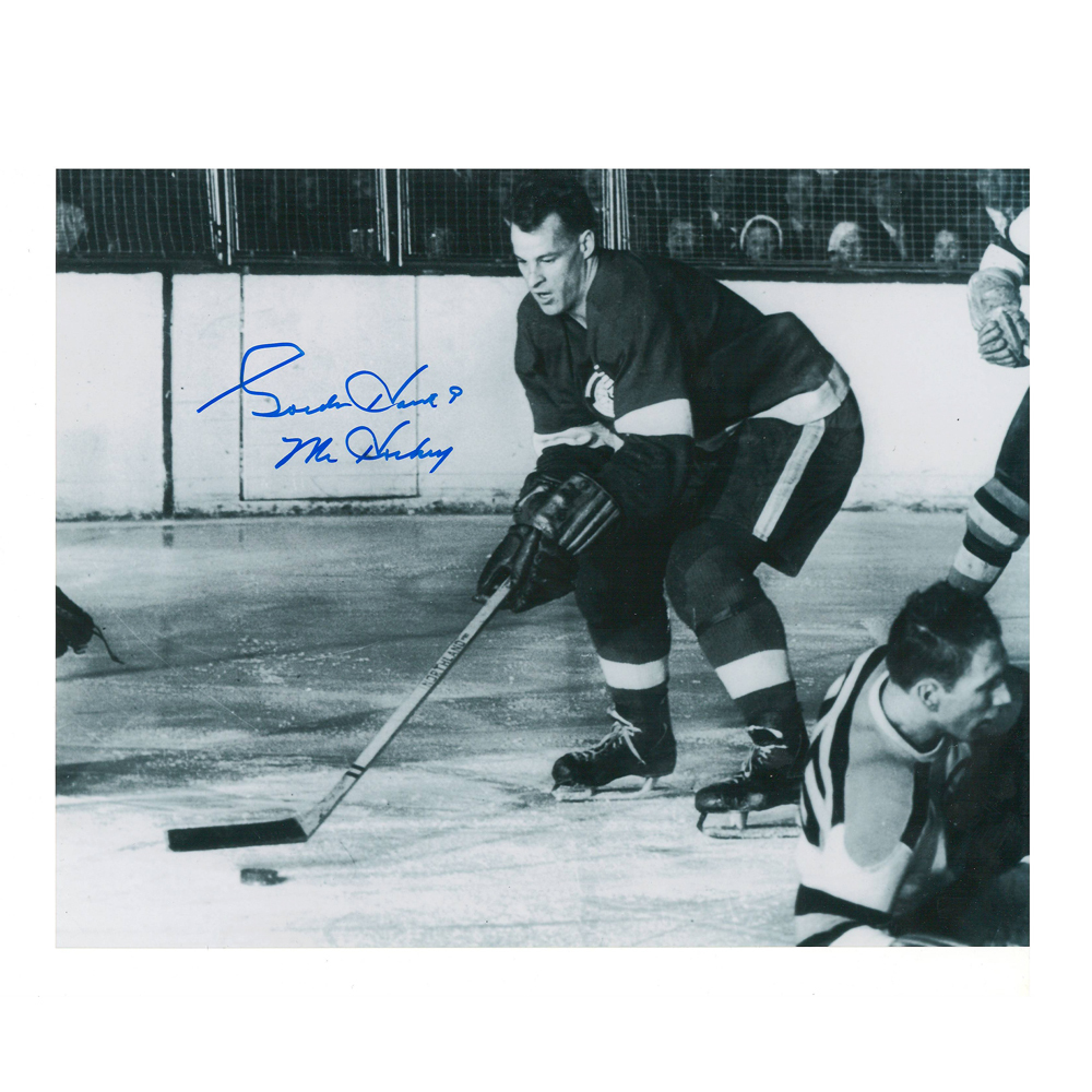 GORDIE HOWE Signed Detroit Red Wings 8 X 10 Photo - 70247