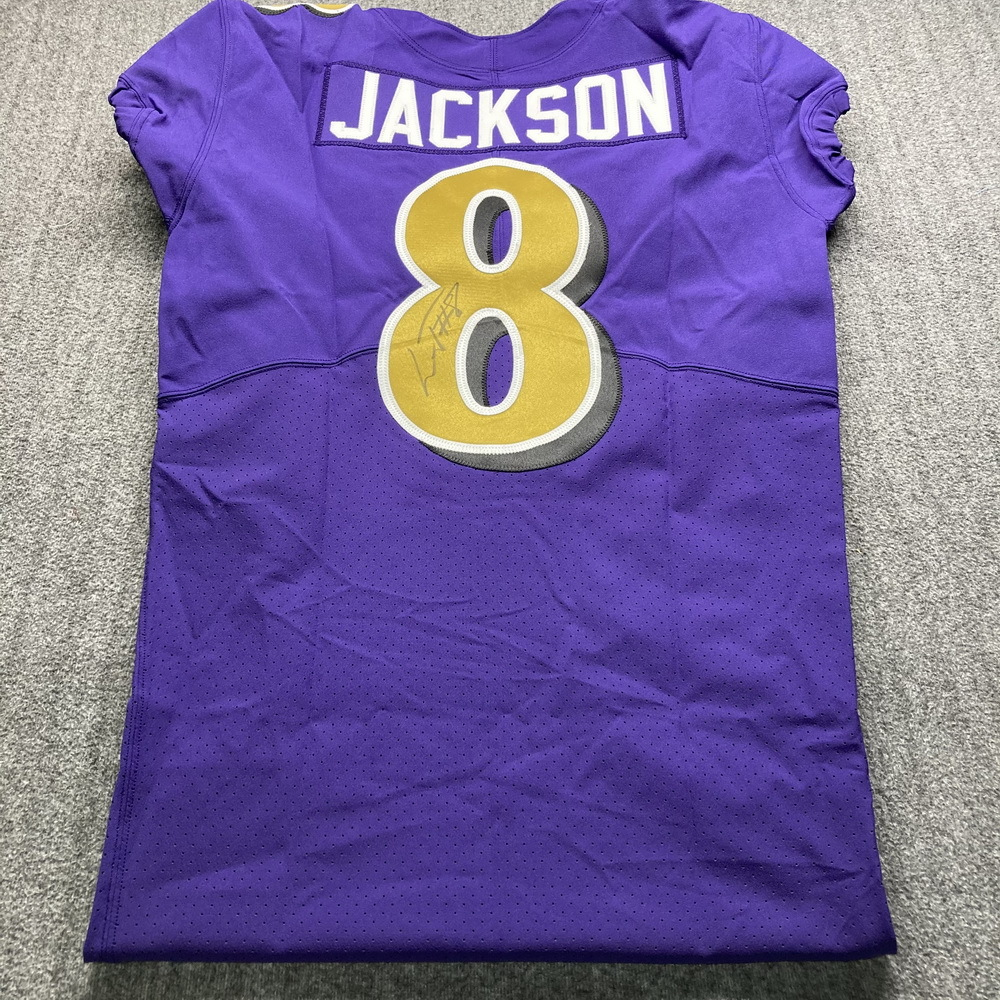 NFL - Ravens Lamar Jackson Signed Jersey Size 42