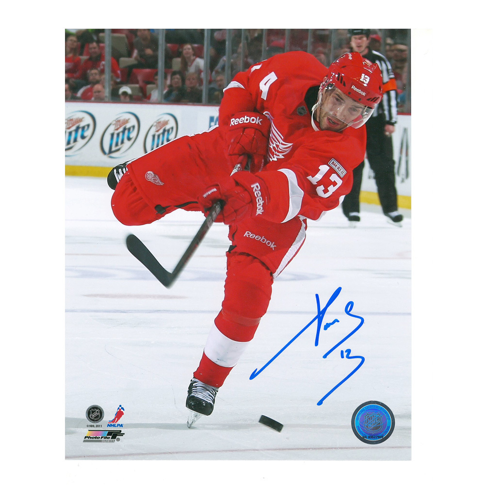 PAVEL DATSYUK Signed Detroit Red Wings 8 X 10 Photo - 70260