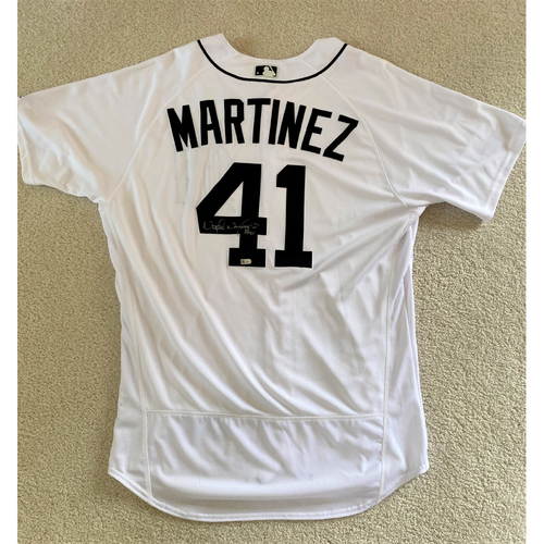 Photo of Victor Martinez Autographed #41 Detroit Tigers Home Jersey (MLB AUTHENTICATED)